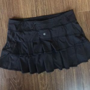 Lululemon Pace Settee Skirt w Shorts Sz 10